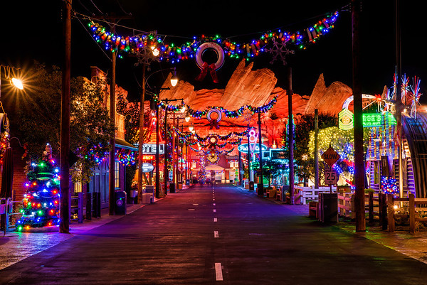 if youve read our when to visit disneyland or disneyland trip planning guide posts you may know that the holidays at disneyland are a veritable tale of - Disneyland Christmas Decorations