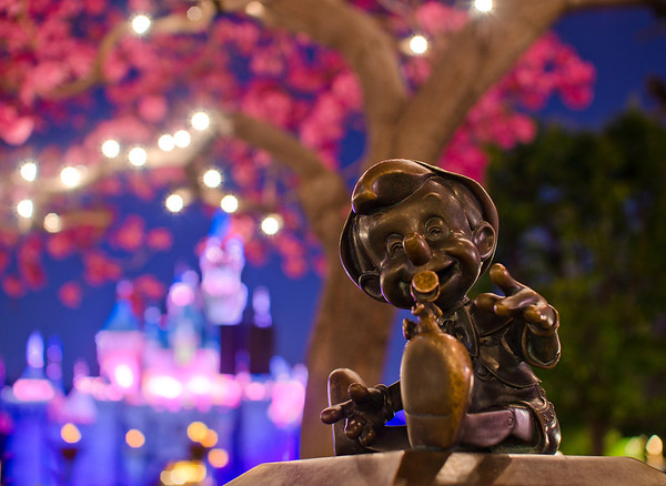 Pinocchio statue at Disneyland. Photo taken with the Sigma 30mm f/1.4 lens. Lens review: http://www.disneytouristblog.com/sigma-30mm-f1-4-lens-review/