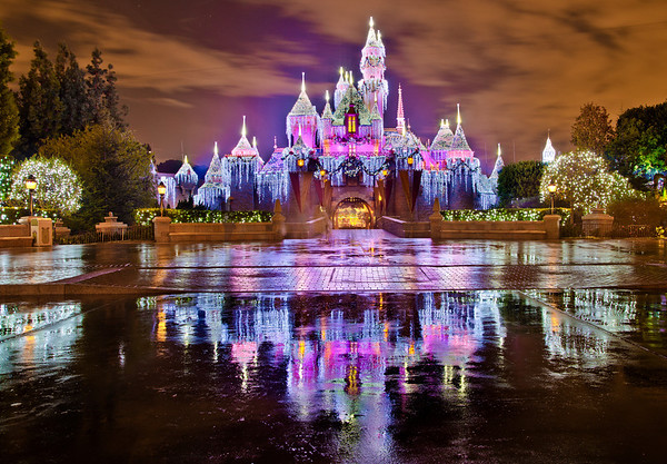 Yeah, we're in a bit of a Christmas mood...Isn't Disneyland beautiful at Christmas-time?!Would anyone be interested in a comprehensive Disneyland Christmas Guide like the one we did for Walt Disney World? http://www.disneytouristblog.com/disney-world-christmas-ultimate-guide/