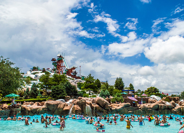 blizzard beach wave pool M