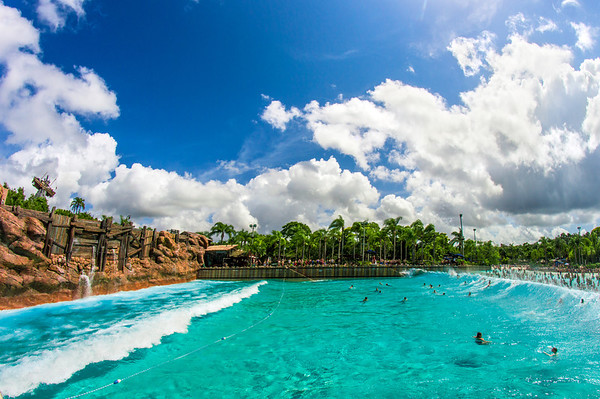 typhoon lagoon surf pool M